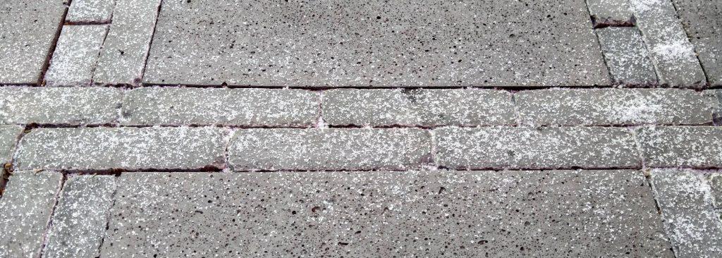 schone tegels met steenzout